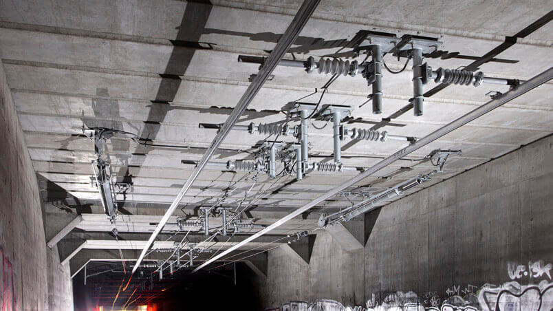 electrification conductor rail in a tunnel